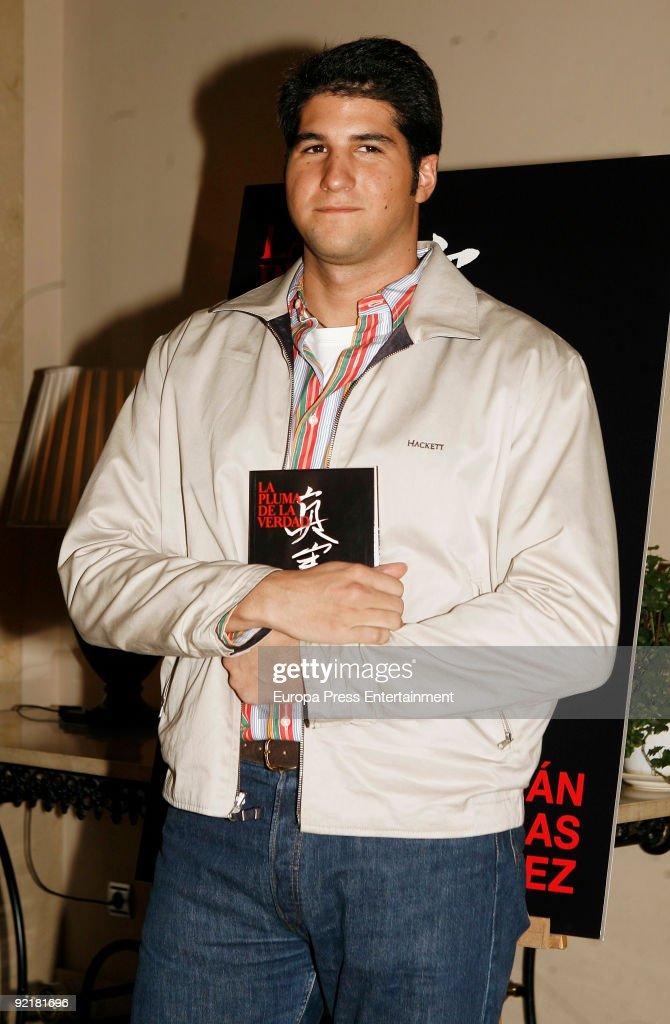 Julian Contreras Jr presents his new novel 'La Pluma de la Verdad' on October 21 2009 in Madrid Spain