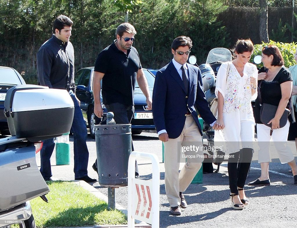 Julian Contreras Ordonez (L), Julian Contreras (2L), Francisco Ordonez (2R) and his girlfriend Lourdes Montes (R) attend Belen Ordonez's funeral on August 3, 2012 in Madrid, Spain. The bullfighter Antonio Ordonez's daughter died in a private center for an enphisema.