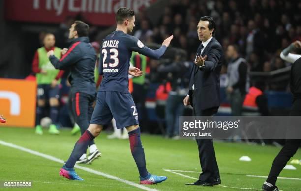 Julian Draxler and head coach Unai Emery of Paris SaintGermain during the French Ligue 1 match between Paris Saint Germain and Lyon OL at Parc des...