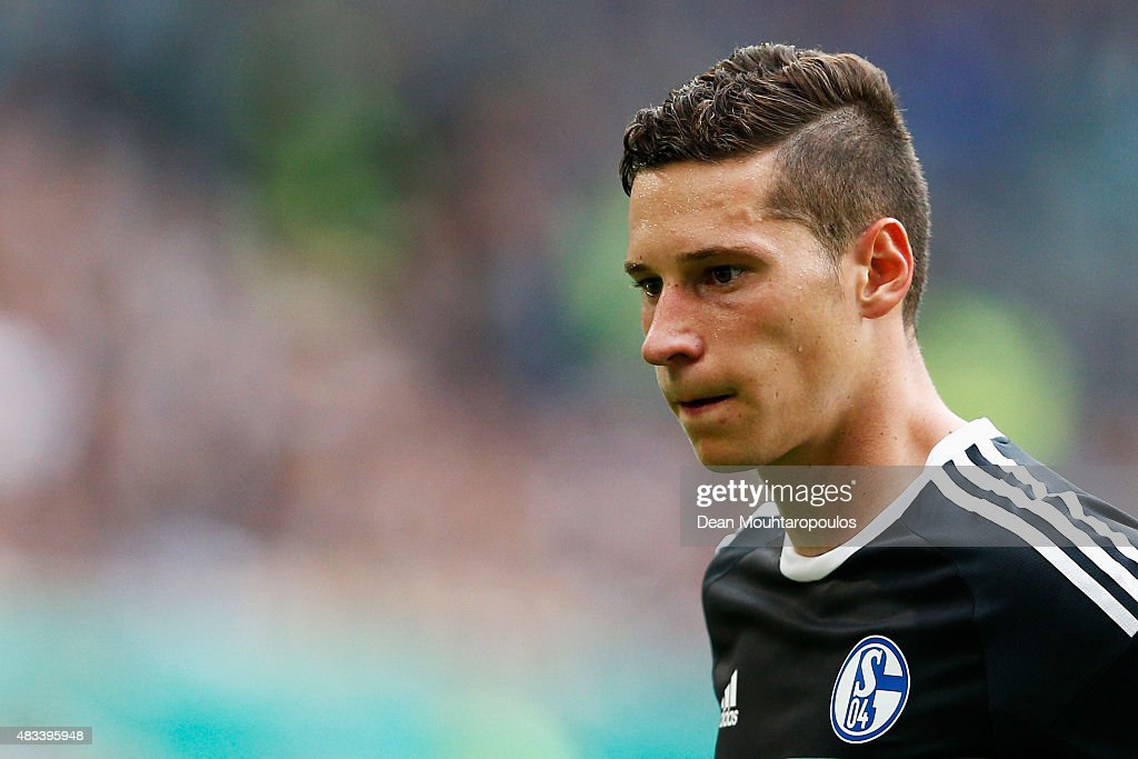 <a gi-track='captionPersonalityLinkClicked' href=/galleries/search?phrase=Julian+Draxler&family=editorial&specificpeople=7184479 ng-click='$event.stopPropagation()'>Julian Draxler</a> of FC Schalke 04 looks on during the DFB Cup match between MSV Duisburg and FC Schalke 04 held at Schauinsland-Reisen-Arena on August 8, 2015 in Duisburg, Germany.