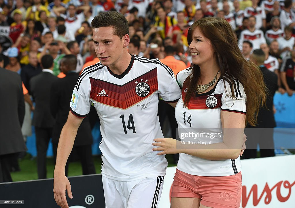 <a gi-track='captionPersonalityLinkClicked' href=/galleries/search?phrase=Julian+Draxler&family=editorial&specificpeople=7184479 ng-click='$event.stopPropagation()'>Julian Draxler</a> (L) of Germany and his girlfriend Lena celebrate Germany's victory after the 2014 FIFA World Cup Brazil Final match between Germany and Argentina at Maracana on July 13, 2014 in Rio de Janeiro, Brazil.
