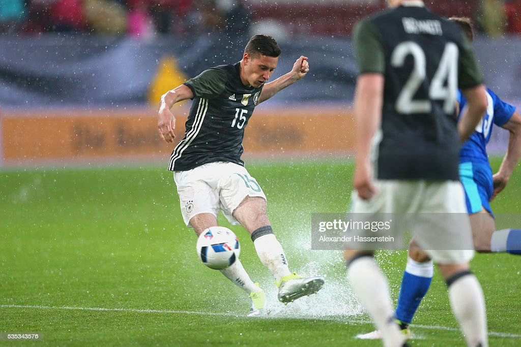 <a gi-track='captionPersonalityLinkClicked' href=/galleries/search?phrase=Julian+Draxler&family=editorial&specificpeople=7184479 ng-click='$event.stopPropagation()'>Julian Draxler</a> of Germany battles for the ball during the international friendly match between Germany and Slovakia at WWK-Arena on May 29, 2016 in Augsburg, Germany.