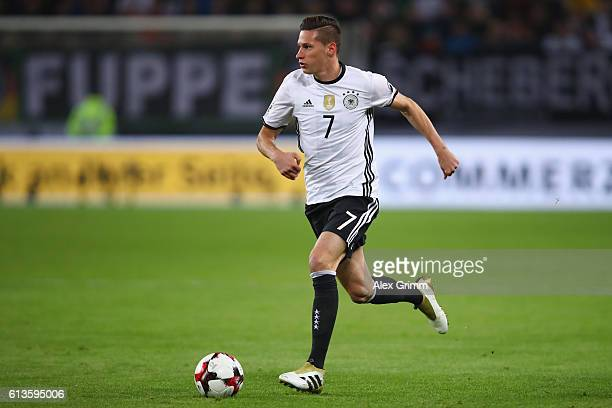 Julian Draxler of Germany controles the ball during the FIFA World Cup 2018 qualifying match between Germany and Czech Republic at Volksparkstadion...