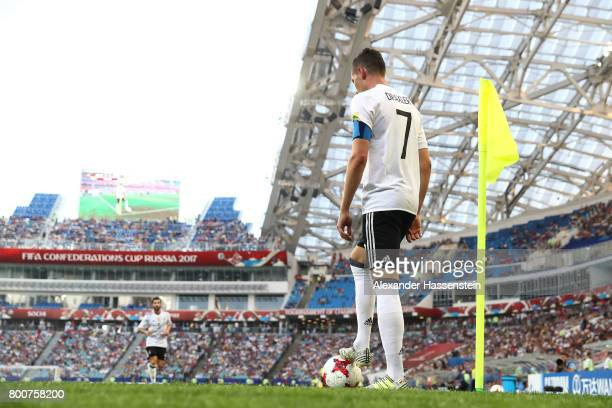 Julian Draxler of Germany prepares to take a corner kick during the FIFA Confederations Cup Russia 2017 Group B match between Germany and Cameroon at...