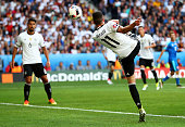 Julian Draxler of Germany scores his team's third goal during the UEFA EURO 2016 round of 16 match between Germany and Slovakia at Stade PierreMauroy...