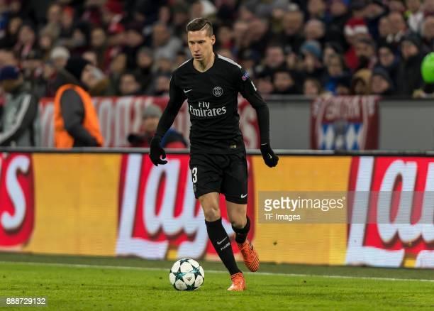 Julian Draxler of Paris SaintGermain controls the ball during the UEFA Champions League group B match between Bayern Muenchen and Paris SaintGermain...