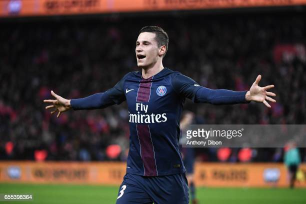 Julian Draxler of PSG celebrates his goal during the French Ligue 1 match between Paris Saint Germain and Lyon at Parc des Princes on March 19 2017...