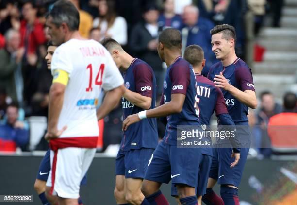 Julian Draxler of PSG celebrates his goal during the French Ligue 1 match between Paris SaintGermain and FC Girondins de Bordeaux at Parc des Princes...