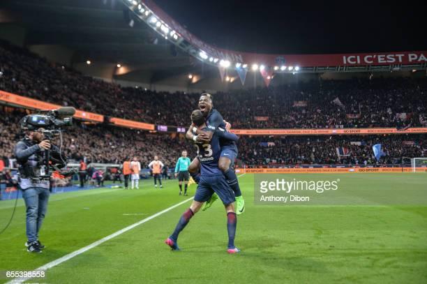 Julian Draxler of PSG celebrates his goal Serge Aurier during the French Ligue 1 match between Paris Saint Germain and Lyon at Parc des Princes on...