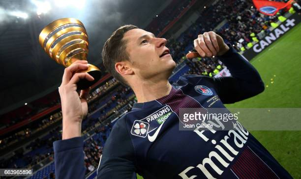 Julian Draxler of PSG celebrates the victory following the French League Cup final between Paris SaintGermain and AS Monaco at Parc OL on April 1...