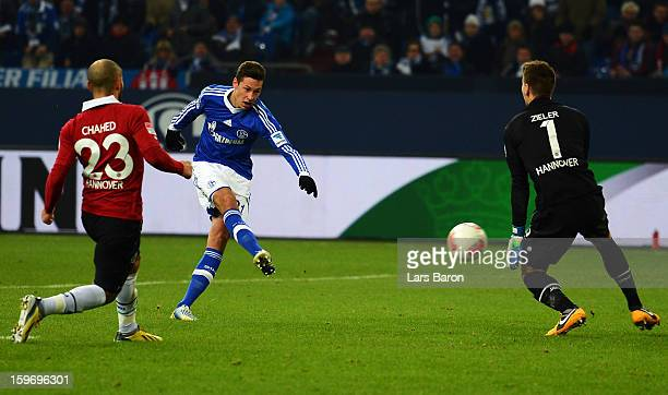 Julian Draxler of Schalke scores his teams second goal during the Bundesliga match between FC Schalke 04 and Hannover 96 at VeltinsArena on January...
