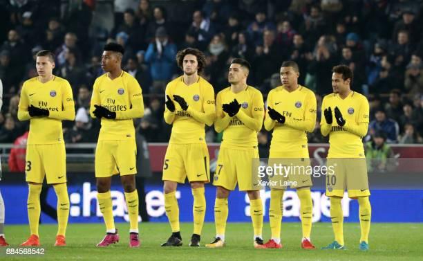 Julian Draxler Presnel Kimpembe Adrien Rabiot Yuri Berchiche Kylian Mbappe and Neymar Jr of Paris SaintGermain pose before the Ligue 1 match between...
