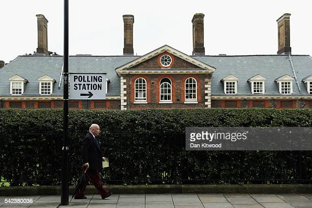 Julian Fellowes heads towards a polling station to vote in the EU referendum at Royal Hospital Chelsea on June 23 2016 in London United Kingdom The...