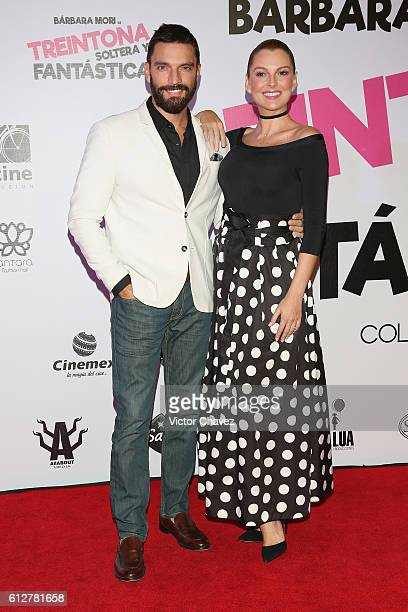 Julian Gil and Marjorie de Sousa attend the 'Treintona Soltera Y Fantastica' Mexico City premiere at Cinemex Antara Polanco on October 4 2016 in...