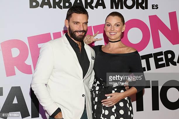 Julian Gil and Marjorie de Sousa attend the 'Treintona Soltera Y Fantastica' Mexico City premiere at Cinemex Antara Polanco on October 4 2016 in...