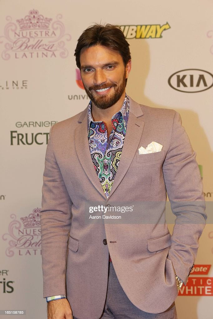 Julian Gil attends Univisions Nuestra Belleza Latina Finalists Revealed at Univision Headquarters on March 31, 2013 in Miami, Florida.