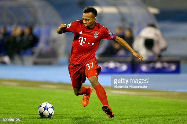Julian Green of Muenchen runs with the ball during the UEFA Champions League Group F match between GNK Dinamo Zagreb and FC Bayern Muenchen at...