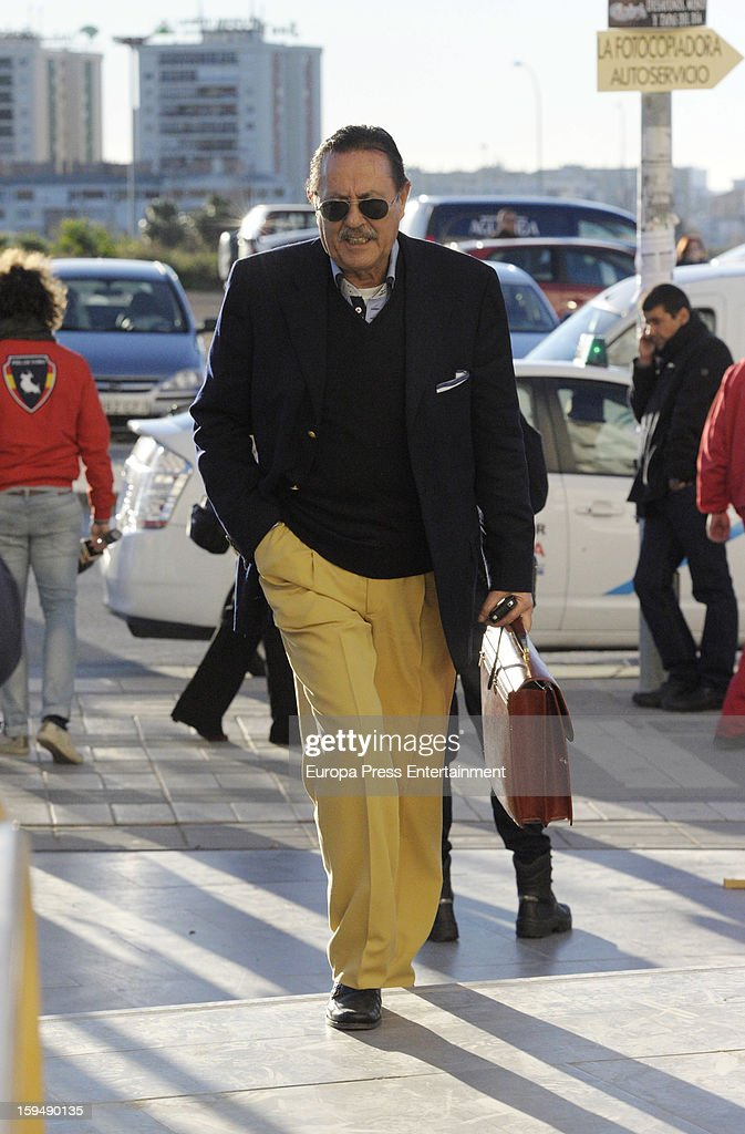 <a gi-track='captionPersonalityLinkClicked' href=/galleries/search?phrase=Julian+Munoz&family=editorial&specificpeople=885022 ng-click='$event.stopPropagation()'>Julian Munoz</a> arrives at Malaga court for the ongoing trial for alleged money-laundering and embezzlement on January 14, 2013 in Malaga, Spain. The 2006 scandal has put nearly 100 people on trial for alleged involvement in bribes to city officials by property developers for planning permissions.