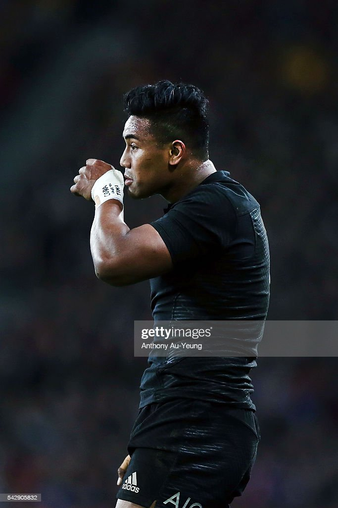 <a gi-track='captionPersonalityLinkClicked' href=/galleries/search?phrase=Julian+Savea&family=editorial&specificpeople=5780264 ng-click='$event.stopPropagation()'>Julian Savea</a> of New Zealand reacts during the International Test match between the New Zealand All Blacks and Wales at Forsyth Barr Stadium on June 25, 2016 in Dunedin, New Zealand.
