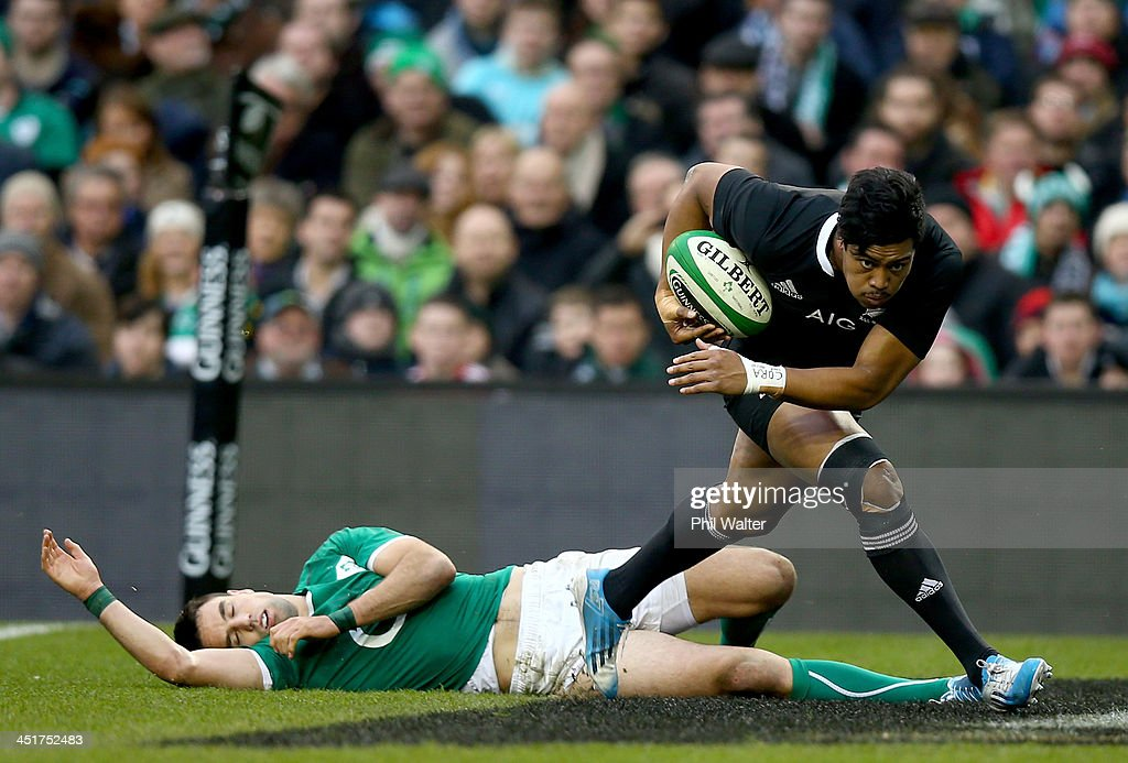 <a gi-track='captionPersonalityLinkClicked' href=/galleries/search?phrase=Julian+Savea&family=editorial&specificpeople=5780264 ng-click='$event.stopPropagation()'>Julian Savea</a> of the All Blacks crosses the line to score a try during the International match between Ireland and the New Zealand All Blacks at Aviva Stadium on November 24, 2013 in Dublin, Ireland.
