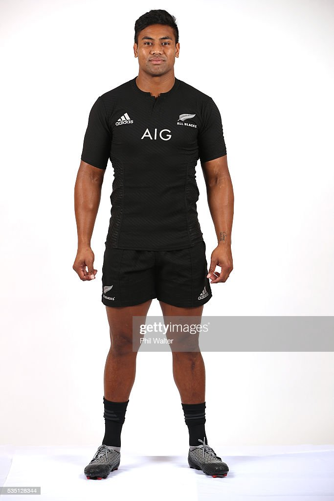 <a gi-track='captionPersonalityLinkClicked' href=/galleries/search?phrase=Julian+Savea&family=editorial&specificpeople=5780264 ng-click='$event.stopPropagation()'>Julian Savea</a> of the All Blacks poses for a portrait during a New Zealand All Black portrait session on May 29, 2016 in Auckland, New Zealand.