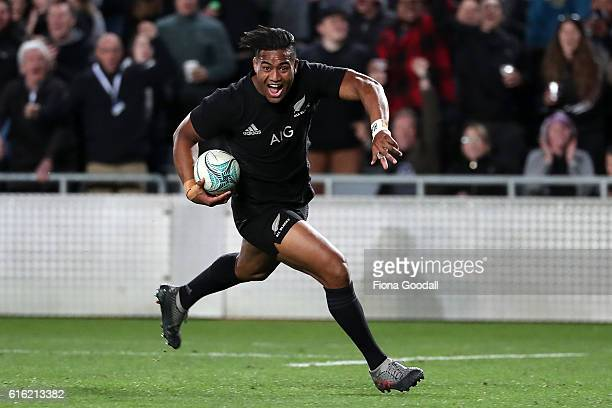 Julian Savea of the All Blacks scores a try during the Bledisloe Cup Rugby Championship match between the New Zealand All Blacks and the Australia...