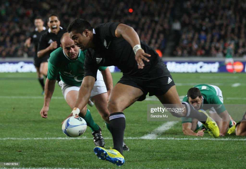 Julian Savea of the All Blacks scores a try during the International Test Match between the New Zealand All Blacks and Ireland at Eden Park on June 9, 2012 in Auckland, New Zealand.