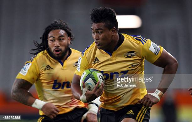 Julian Savea of the Hurricanes on the charge during the round six Super Rugby match between the Highlanders and the Hurricanes at Forsyth Barr...