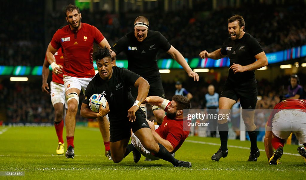 <a gi-track='captionPersonalityLinkClicked' href=/galleries/search?phrase=Julian+Savea&family=editorial&specificpeople=5780264 ng-click='$event.stopPropagation()'>Julian Savea</a> of the New Zealand All Blacks scores his second try, his team's fourth try, during the 2015 Rugby World Cup Quarter Final match between New Zealand and France at Millennium Stadium on October 17, 2015 in Cardiff, United Kingdom.