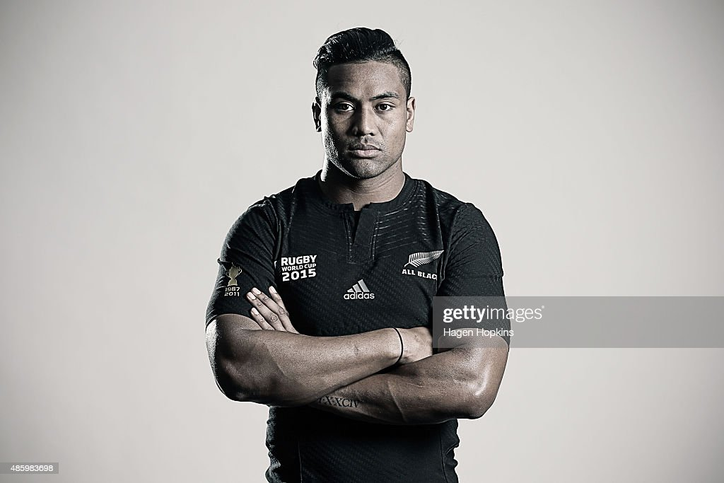 <a gi-track='captionPersonalityLinkClicked' href=/galleries/search?phrase=Julian+Savea&family=editorial&specificpeople=5780264 ng-click='$event.stopPropagation()'>Julian Savea</a> poses during a New Zealand All Blacks Rugby World Cup Squad Portrait Session on August 31, 2015 in Wellington, New Zealand.