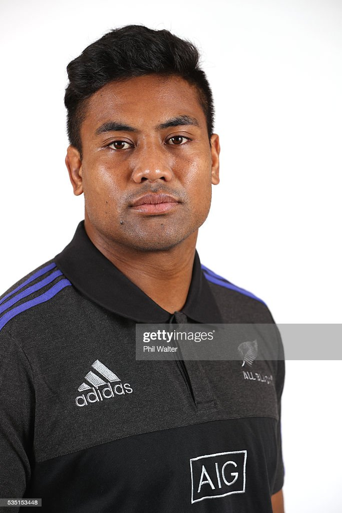 <a gi-track='captionPersonalityLinkClicked' href=/galleries/search?phrase=Julian+Savea&family=editorial&specificpeople=5780264 ng-click='$event.stopPropagation()'>Julian Savea</a> poses for a portrait during a New Zealand All Black portrait session on May 29, 2016 in Auckland, New Zealand.