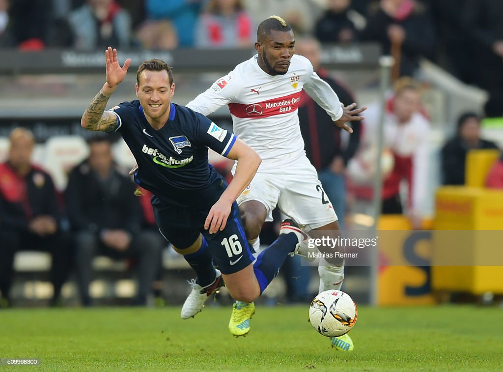 Julian Schieber of Hertha BSC and Serey Die of VfB Stuttgart during the game between VfB Stuttgart and Hertha BSC on February 13, 2016 in Stuttgart, Germany.