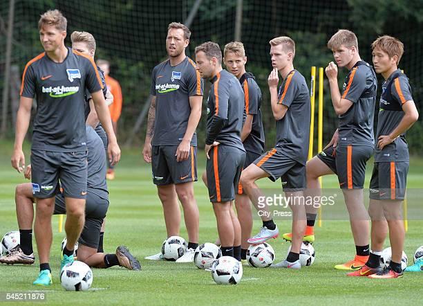 Julian Schieber Roy Beerens Palko Dardai Julius Kade Florian Baak and Genki Haraguchi during the training of Hertha BSC on july 6 2016 in Bad Saarow...