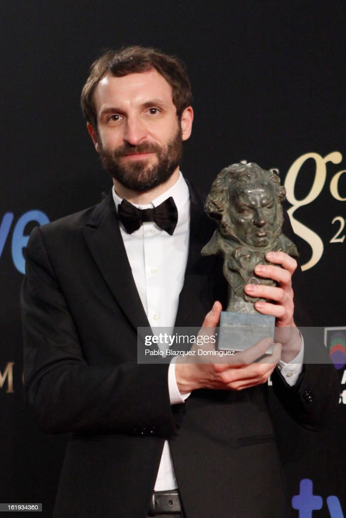Julian Villagran holds his award for Best Supporting Actor in the film 'Grupo 7' during the 2013 edition of the 'Goya Cinema Awards' ceremony at Centro de Congresos Principe Felipe on February 17, 2013 in Madrid, Spain.