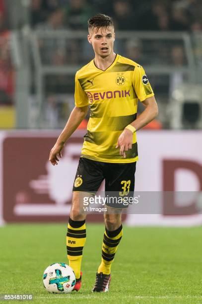 Julian Weigl of Borussia Dortmund during the Bundesliga match between Borussia Dortmund and Borussia Mönchengladbach on September 23 2017 at the...