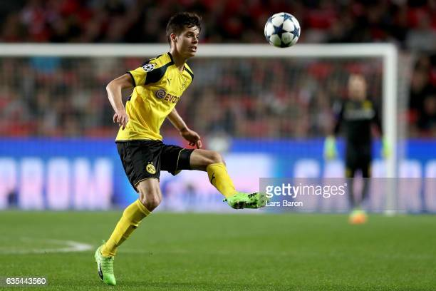 Julian Weigl of Dortmund runs with the ball during the UEFA Champions League Round of 16 first leg match between SL Benfica and Borussia Dortmund at...