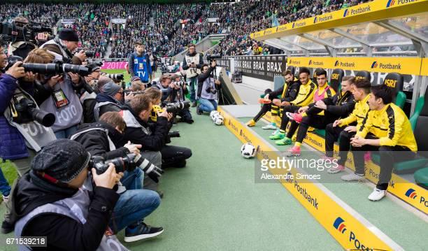 Julian Weigl PierreEmerick Aubameyang Mikel Merino Lukasz Piszczek Emre Mor and Shinji Kagawa of Borussia Dortmund together prior to the Bundesliga...
