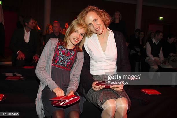 Juliane Köhler Und Tochter Fanny Beim Brigitte Fashion Event In Der Alten Kongresshalle In München