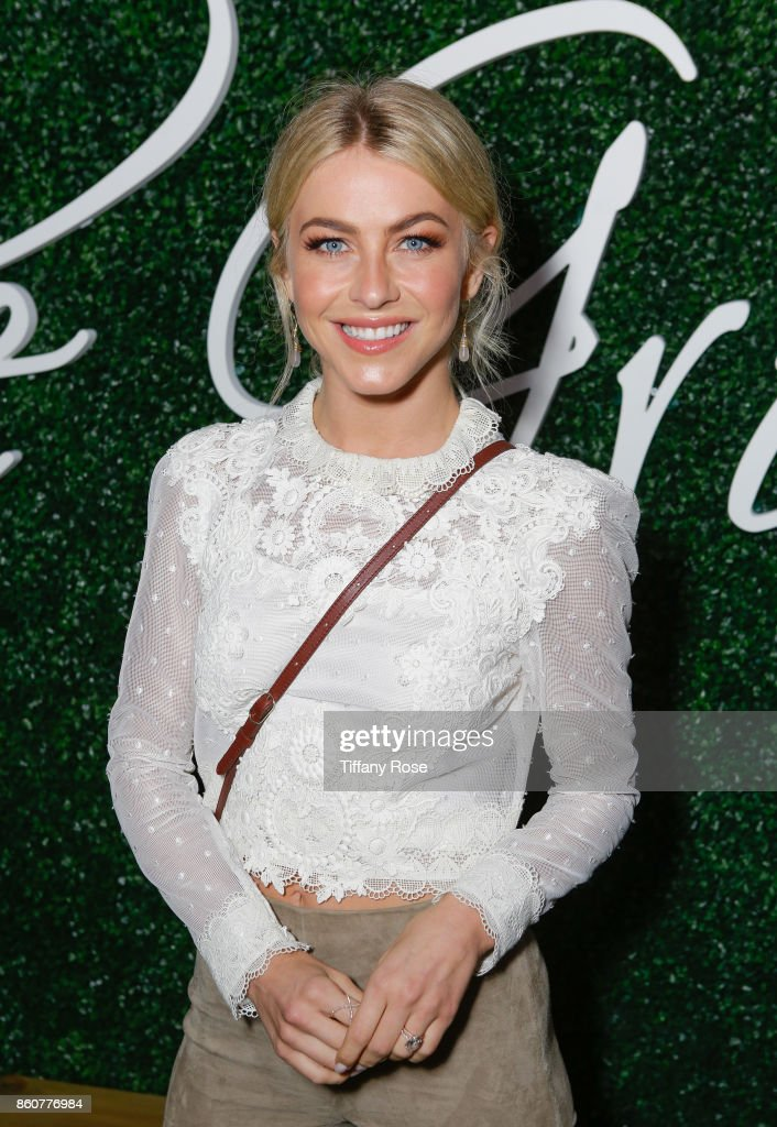 Julianne Hough attends the Paint & Sip & Help event to Benefit Children's Hospital Los Angeles hosted by The Grove on October 12, 2017 in Los Angeles, California.