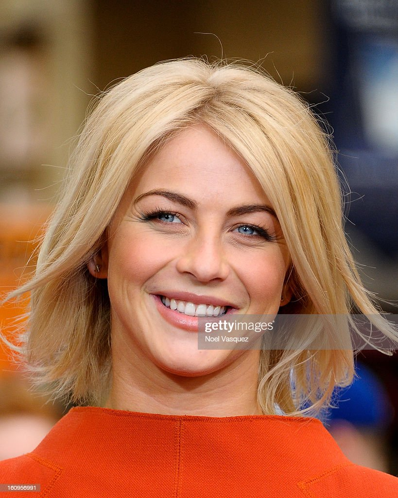 <a gi-track='captionPersonalityLinkClicked' href=/galleries/search?phrase=Julianne+Hough&family=editorial&specificpeople=4237560 ng-click='$event.stopPropagation()'>Julianne Hough</a> visits Extra at The Grove on February 7, 2013 in Los Angeles, California.