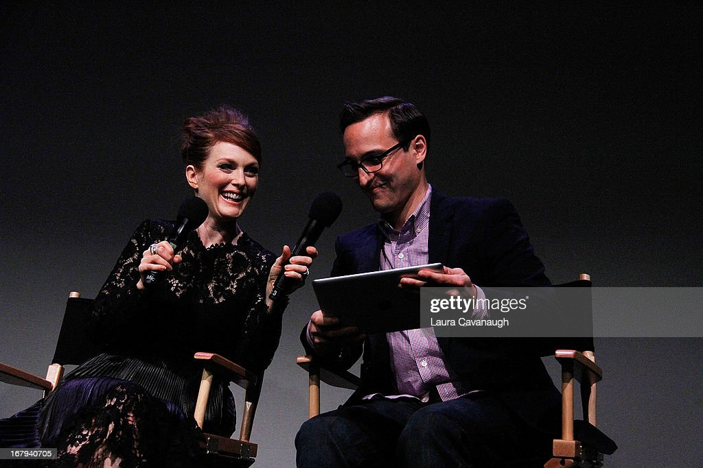 <a gi-track='captionPersonalityLinkClicked' href=/galleries/search?phrase=Julianne+Moore&family=editorial&specificpeople=171555 ng-click='$event.stopPropagation()'>Julianne Moore</a> and <a gi-track='captionPersonalityLinkClicked' href=/galleries/search?phrase=Andrew+McLeod&family=editorial&specificpeople=204300 ng-click='$event.stopPropagation()'>Andrew McLeod</a> attend Apple Store Soho Presents Meet The App Developer: <a gi-track='captionPersonalityLinkClicked' href=/galleries/search?phrase=Julianne+Moore&family=editorial&specificpeople=171555 ng-click='$event.stopPropagation()'>Julianne Moore</a> at Apple Store Soho on May 2, 2013 in New York City.