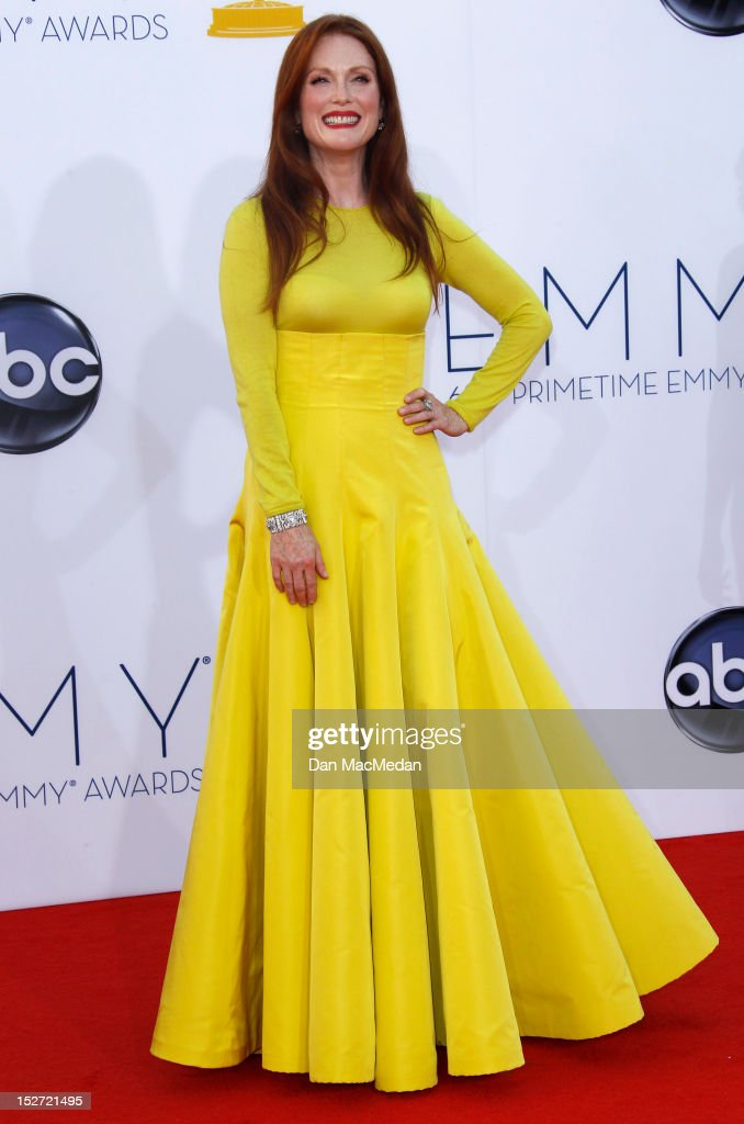 <a gi-track='captionPersonalityLinkClicked' href=/galleries/search?phrase=Julianne+Moore&family=editorial&specificpeople=171555 ng-click='$event.stopPropagation()'>Julianne Moore</a> arrives at the 64th Primetime Emmy Awards held at Nokia Theatre L.A. Live on September 23, 2012 in Los Angeles, California.