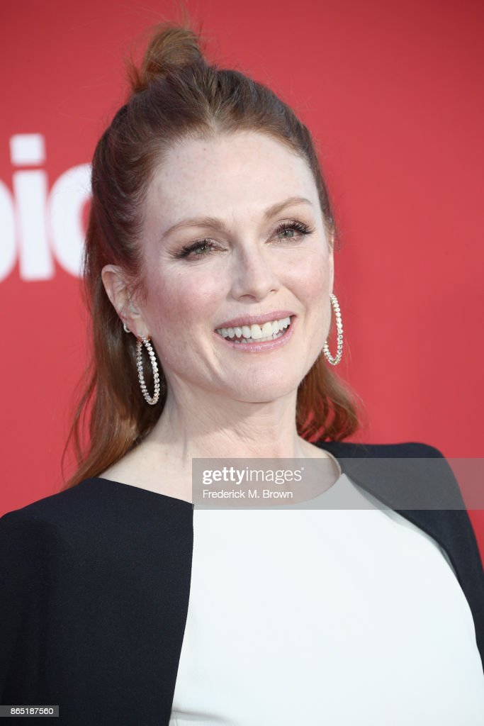 Julianne Moore at the Premiere of Paramount Pictures' 'Suburbicon' at Regency Village Theatre on October 22, 2017 in Westwood, California.