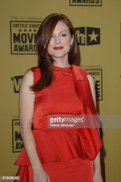 Julianne Moore attends 2010 Critics Choice Awards at The Palladium on January 15 2010 in Hollywood California