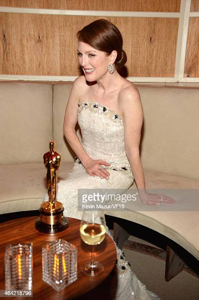 Julianne Moore attends the 2015 Vanity Fair Oscar Party hosted by Graydon Carter at the Wallis Annenberg Center for the Performing Arts on February...