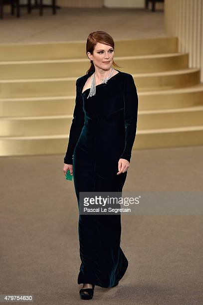 Julianne Moore attends the Chanel show as part of Paris Fashion Week Haute Couture Fall/Winter 2015/2016 on July 7 2015 in Paris France