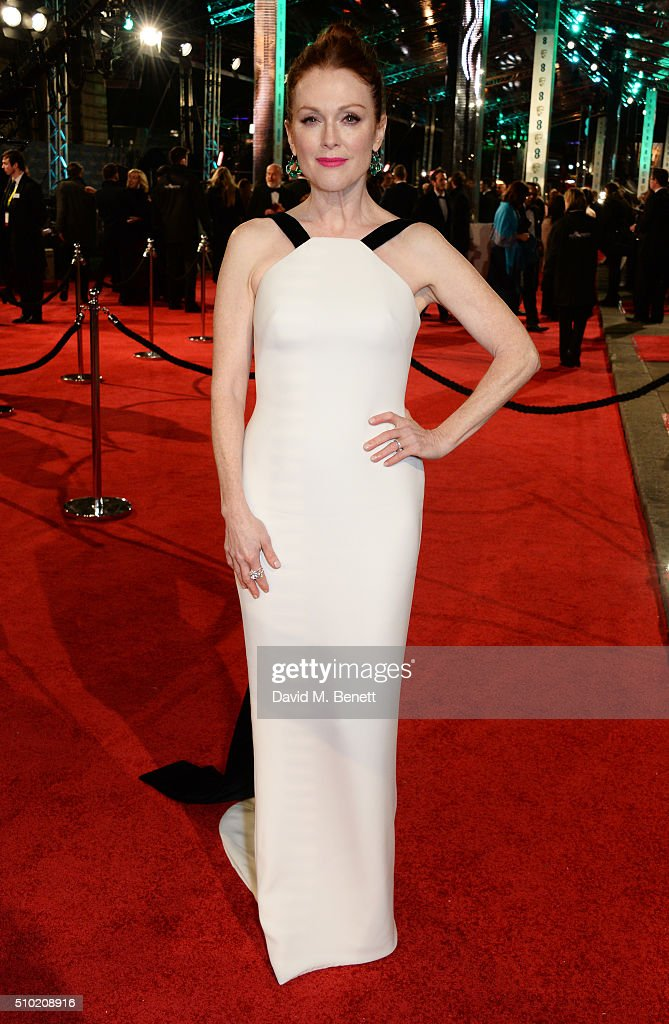 <a gi-track='captionPersonalityLinkClicked' href=/galleries/search?phrase=Julianne+Moore&family=editorial&specificpeople=171555 ng-click='$event.stopPropagation()'>Julianne Moore</a> attends the EE British Academy Film Awards at The Royal Opera House on February 14, 2016 in London, England.