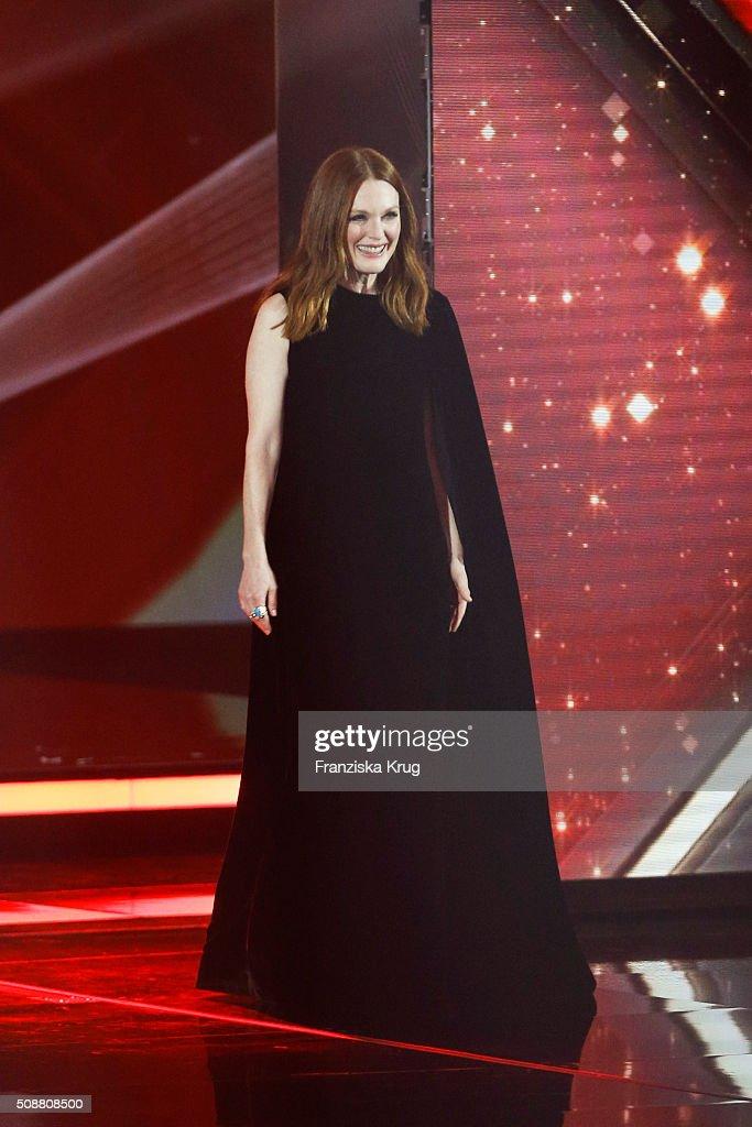 Julianne Moore attends the Goldene Kamera 2016 show on February 6, 2016 in Hamburg, Germany.