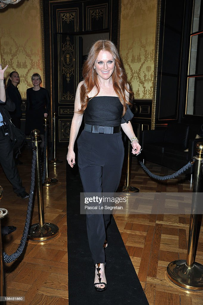 <a gi-track='captionPersonalityLinkClicked' href=/galleries/search?phrase=Julianne+Moore&family=editorial&specificpeople=171555 ng-click='$event.stopPropagation()'>Julianne Moore</a> attends the l'Oreal new egerie presentation at Hotel D'Evreux on November 15, 2012 in Paris, France.