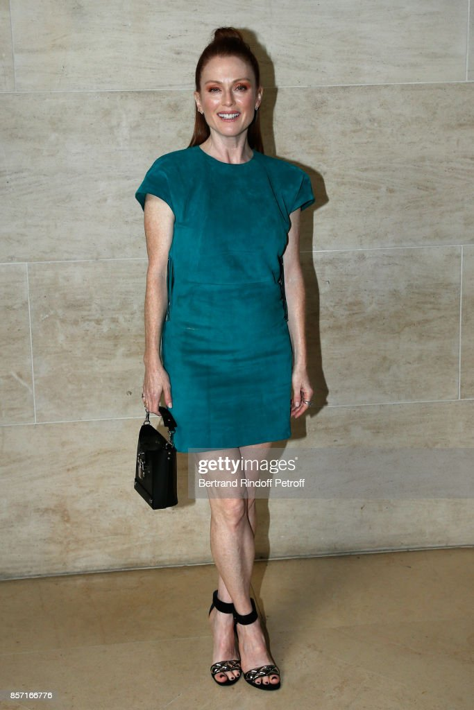 julianne-moore-attends-the-louis-vuitton-show-as-part-of-the-paris-picture-id857166776
